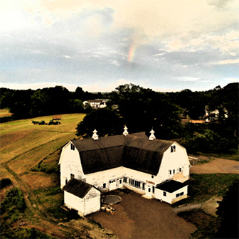 stylized image of Darrows barn at Round Top Farm